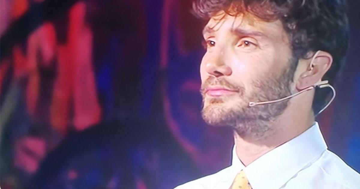 Stefano De Martino gelato a Made in Sud: 'A casa tutto bene? Ti porto una comunicazione...'