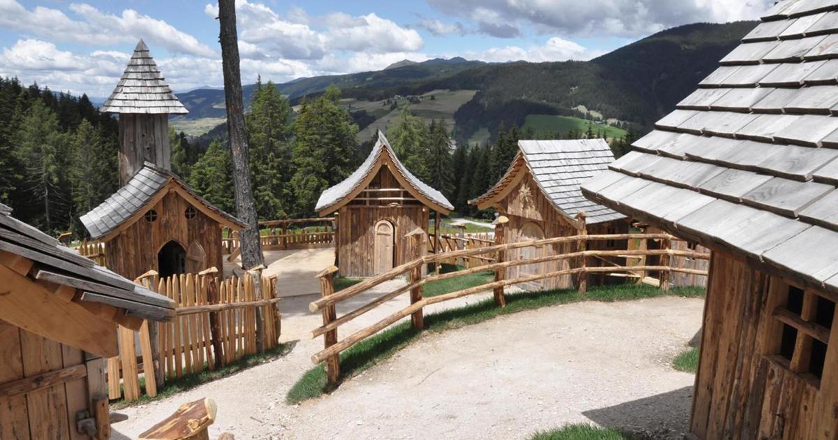 Il villaggio degli gnomi esiste davvero e si trova in Val Pusteria