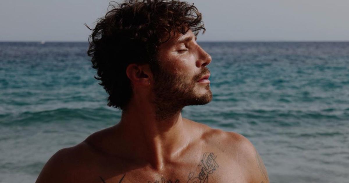 Stefano De Martino: ecco chi è la ragazza bionda paparazzata con lui in barca