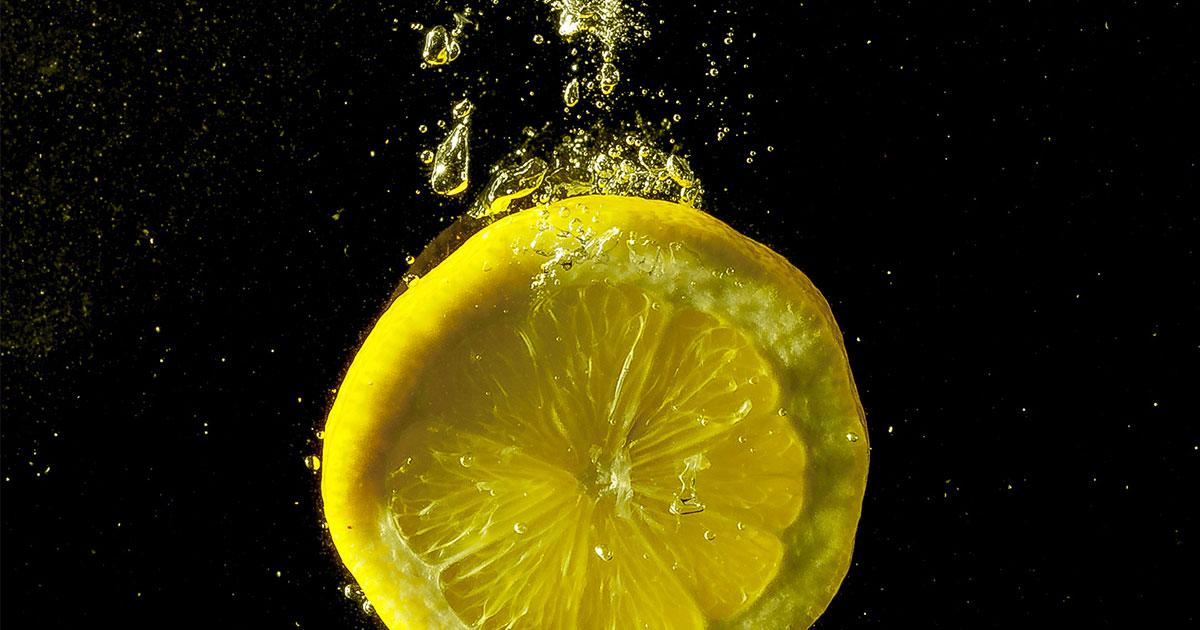 Acqua e limone: quando berla per avere maggiori benefici