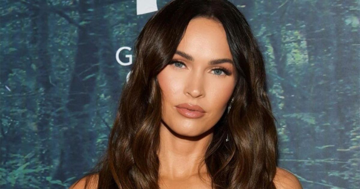 'Sei identica a Megan Fox': per distinguersi la modella francese si ricopre di tatuaggi