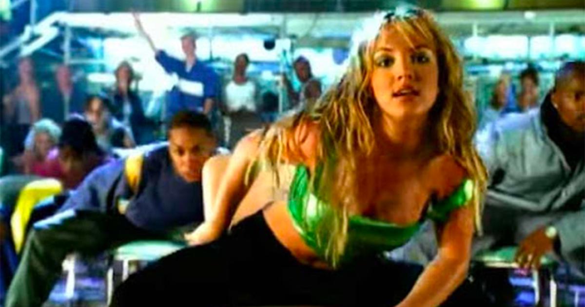 Britney Spears: festeggia 22 anni '(You Drive Me) Crazy'