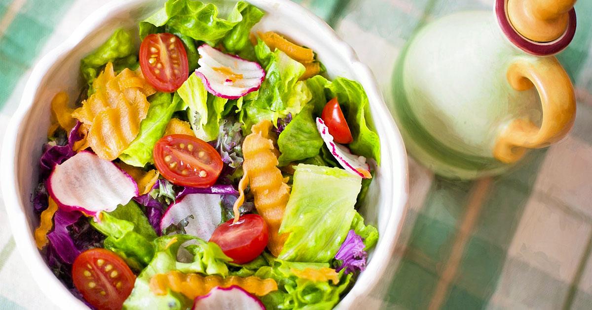 Si offre lavoro per mangiare vegano un mese: il particolare annuncio di un sito web