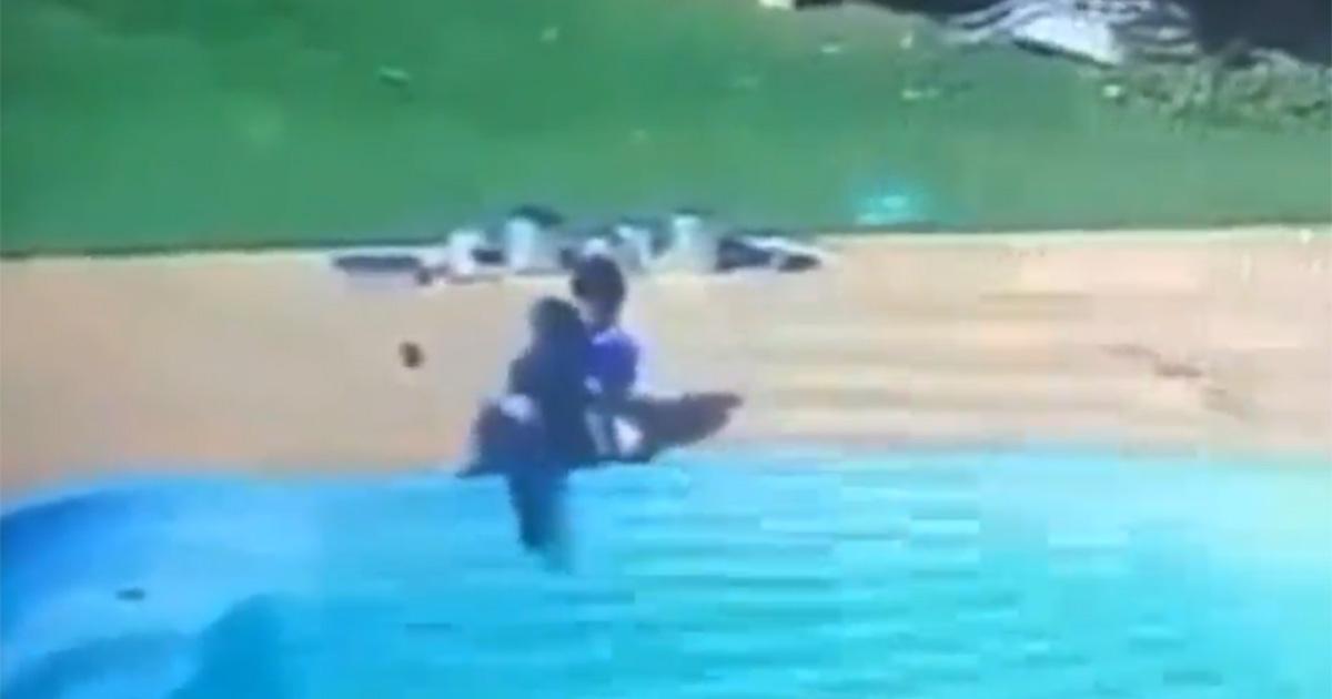 Bambino rischia di annegare in piscina: lo salva un amico (di tre anni)