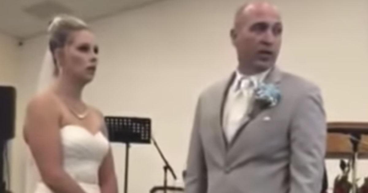 """La suocera insulta la sposa al matrimonio: """"Ho pagato io il vestito che indossi'"""