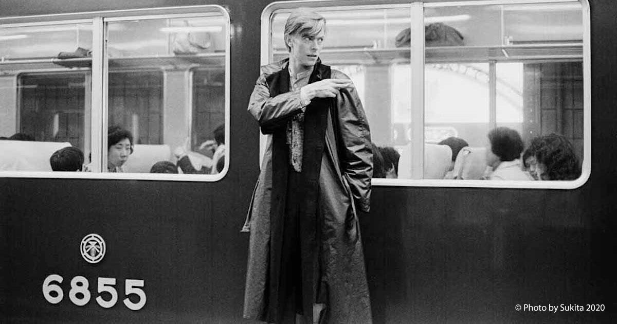Apre a Palermo la mostra dedicata a David Bowie: ecco le foto in anteprima