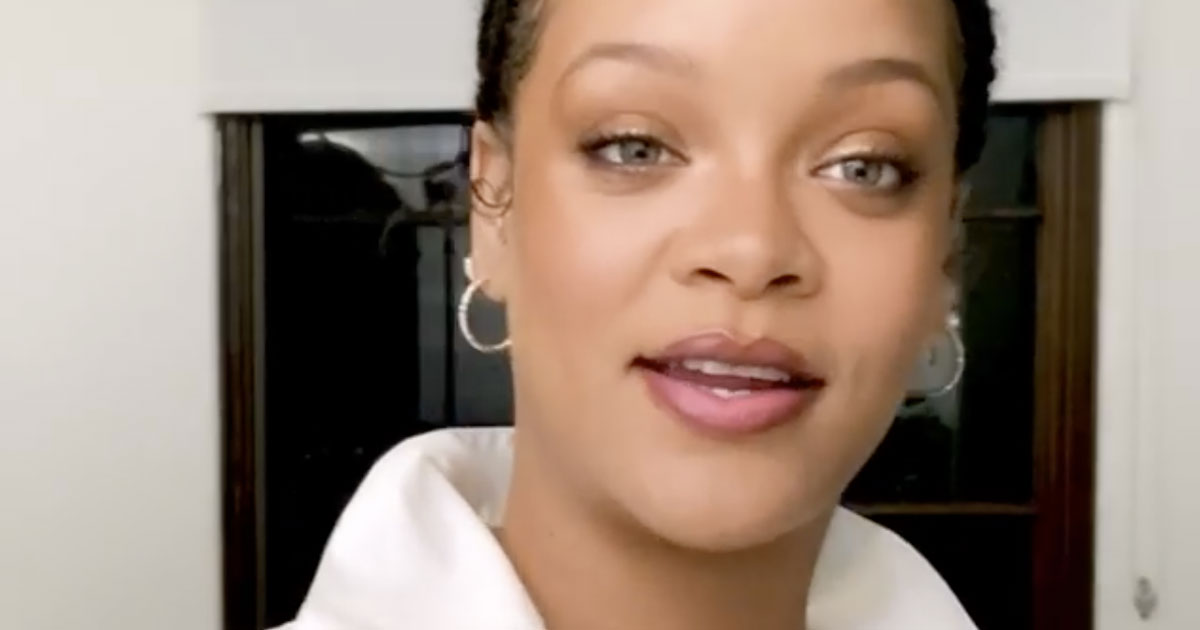 Brutto incidente per Rihanna, la foto su Instagram preoccupa i fan