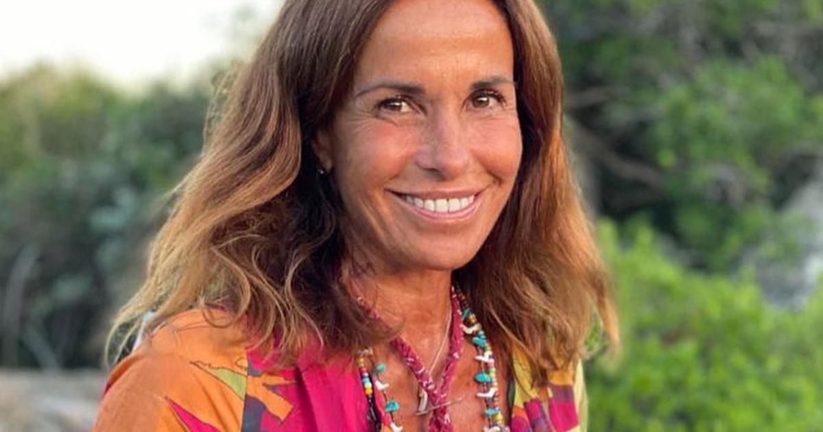 Cristina Parodi si reinventa a stilista: ecco quanto costa un suo abito