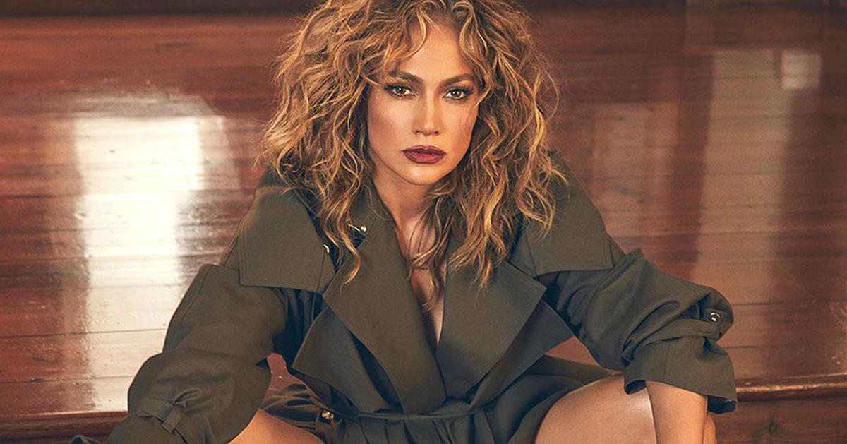 Gambe perfette e fisico mozzafiato, le foto di Jennifer Lopez sono bollenti