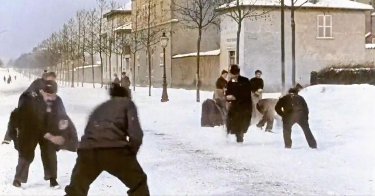 Ecco com'era una battaglia di palle di neve nel 1896: il video a colori è stupendo