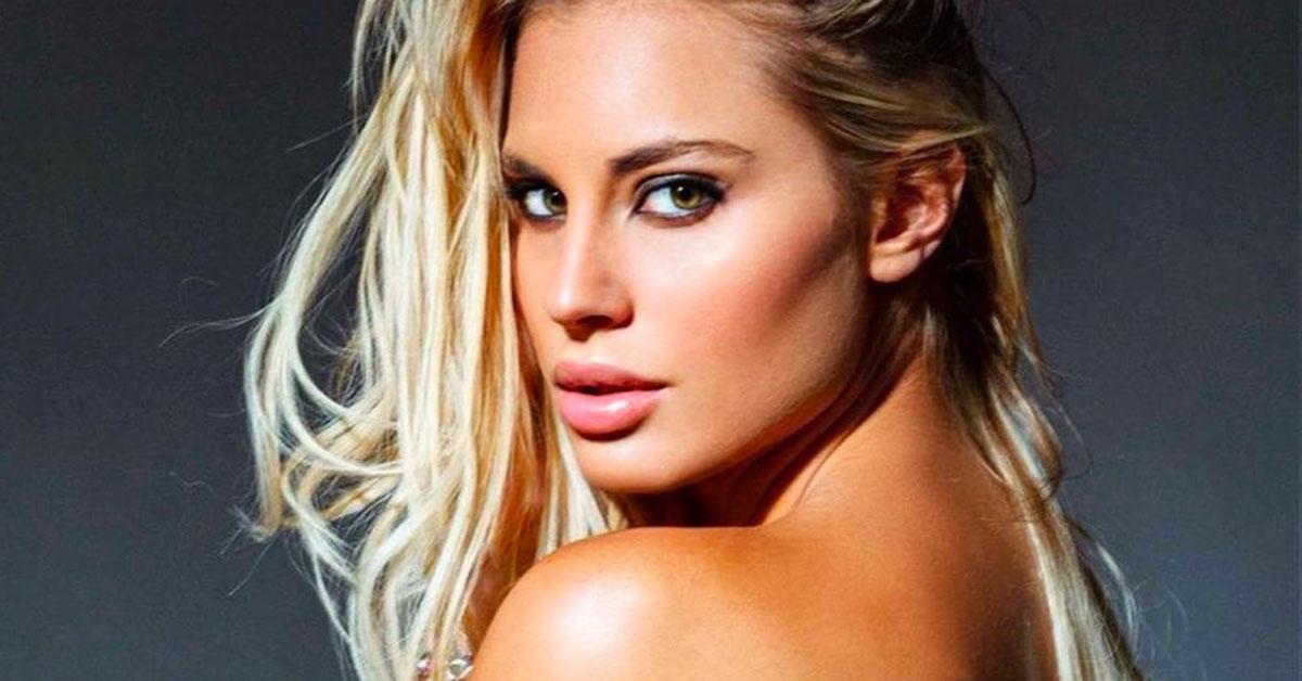 """'Avanti un altro"""": la foto in topless di Francesca Brambilla è incredibile"""