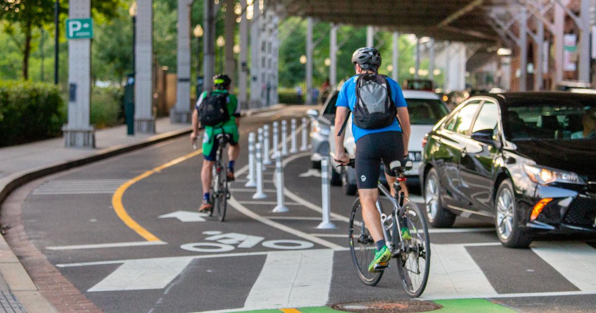 Da oggi è possibile richiedere il bonus per l'acquisto di biciclette e monopattini: ecco come fare