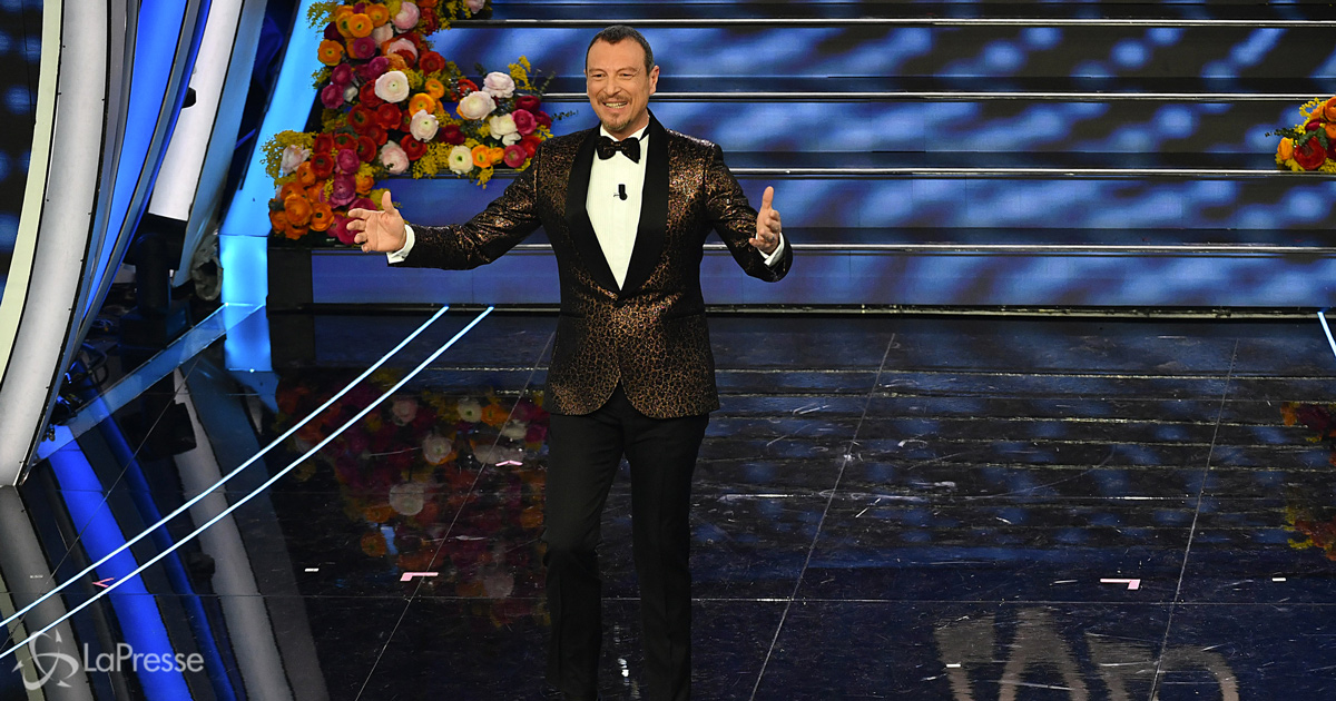 """Amadeus su Sanremo: """"O lo vogliamo tutti o ci rivediamo nel 2022"""""""