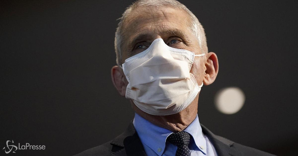 L'immunologo Anthony Fauci: indossare una doppia mascherina è più efficace