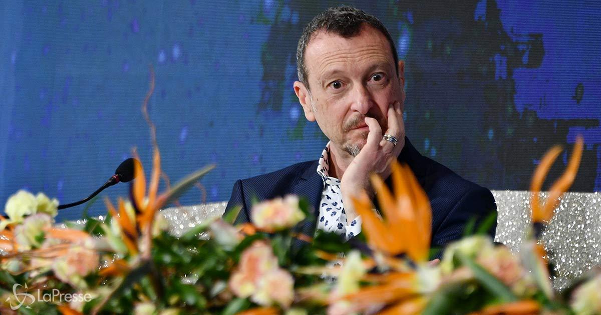 La gaffe nella foto del cast di Sanremo: il dettaglio che non sfugge su Twitter
