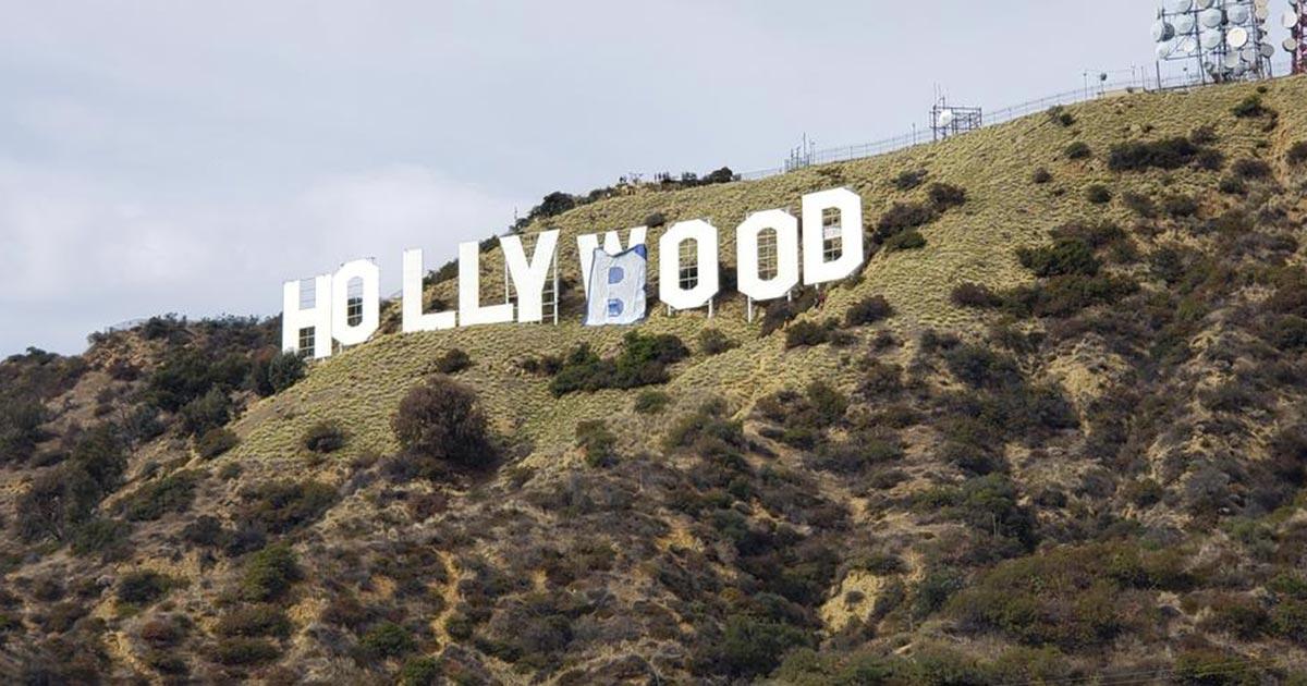 Trasformano la scritta Hollywood modificando due lettere: sei persone arrestate