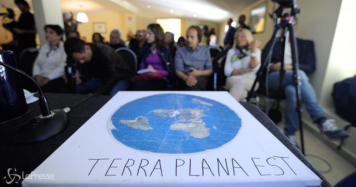 La raccolta fondi per inviare un terrapiattista nello spazio e convincerlo che la Terra è tonda