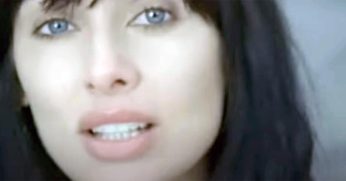 Natalie Imbruglia: compie 16 anni la bellissima 'Shiver'