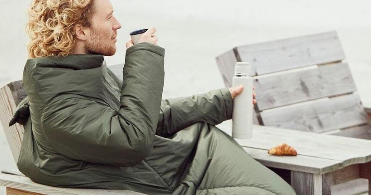 Ikea ha messo in vendita un cuscino che si può anche indossare