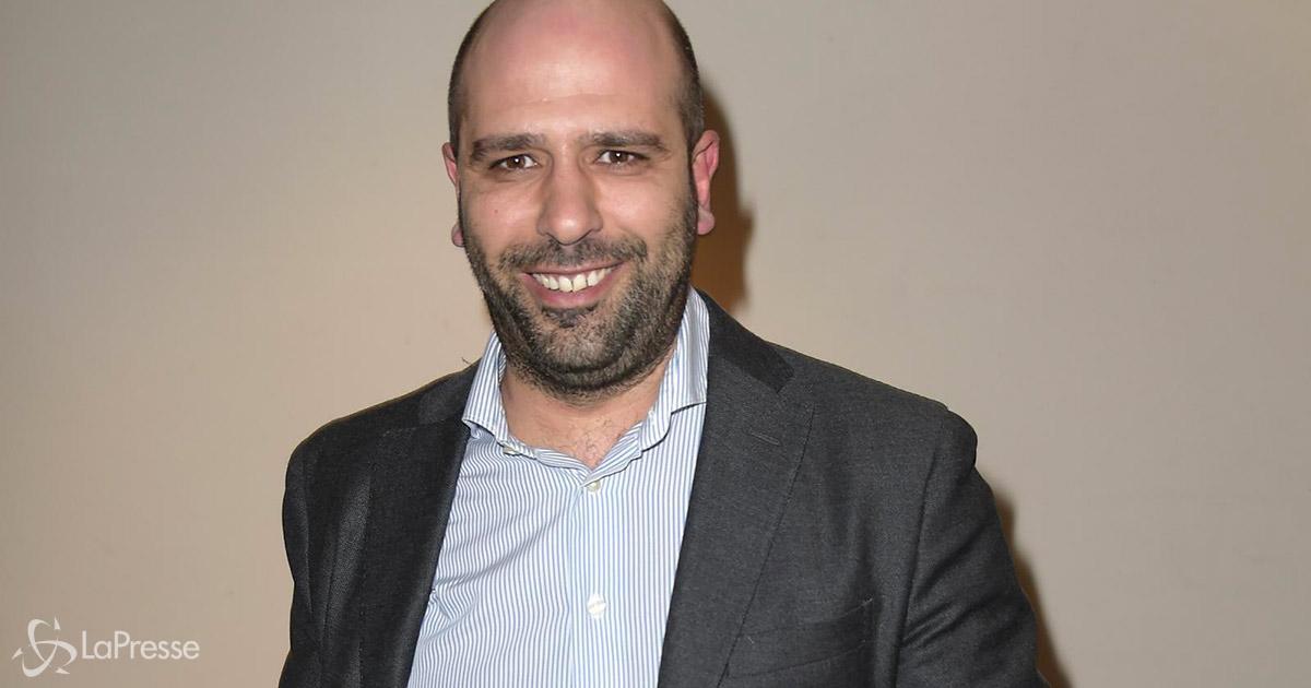 """Checco Zalone """"ruba"""" il David Di Donatello a Laura Pausini: ecco la sua reazione"""