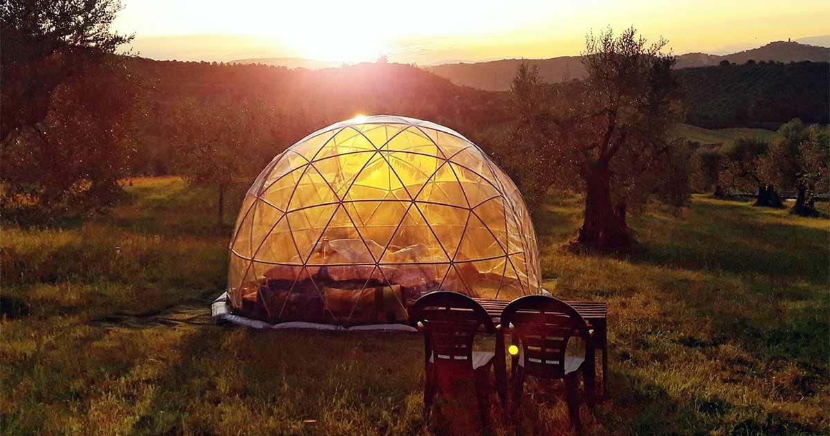 Dormire sotto un cielo stellato: ecco gli hotel bolla in Italia