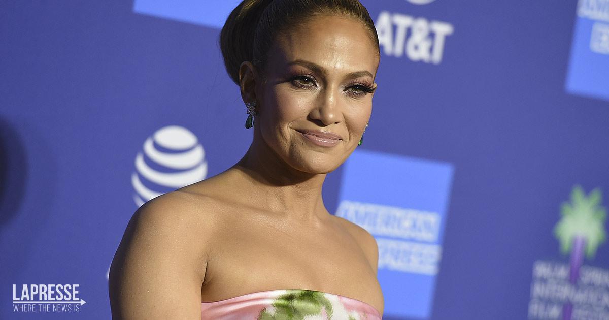 Jennifer Lopez è più bella che mai e queste foto in bikini lo dimostrano