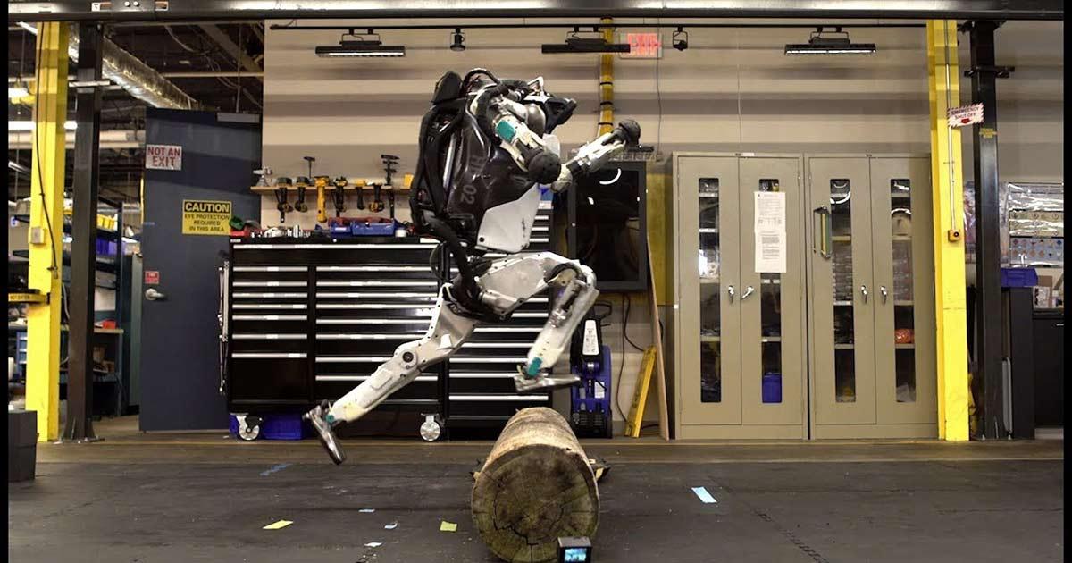 Il video dei due robot Atlas che fanno parkour è davvero incredibile